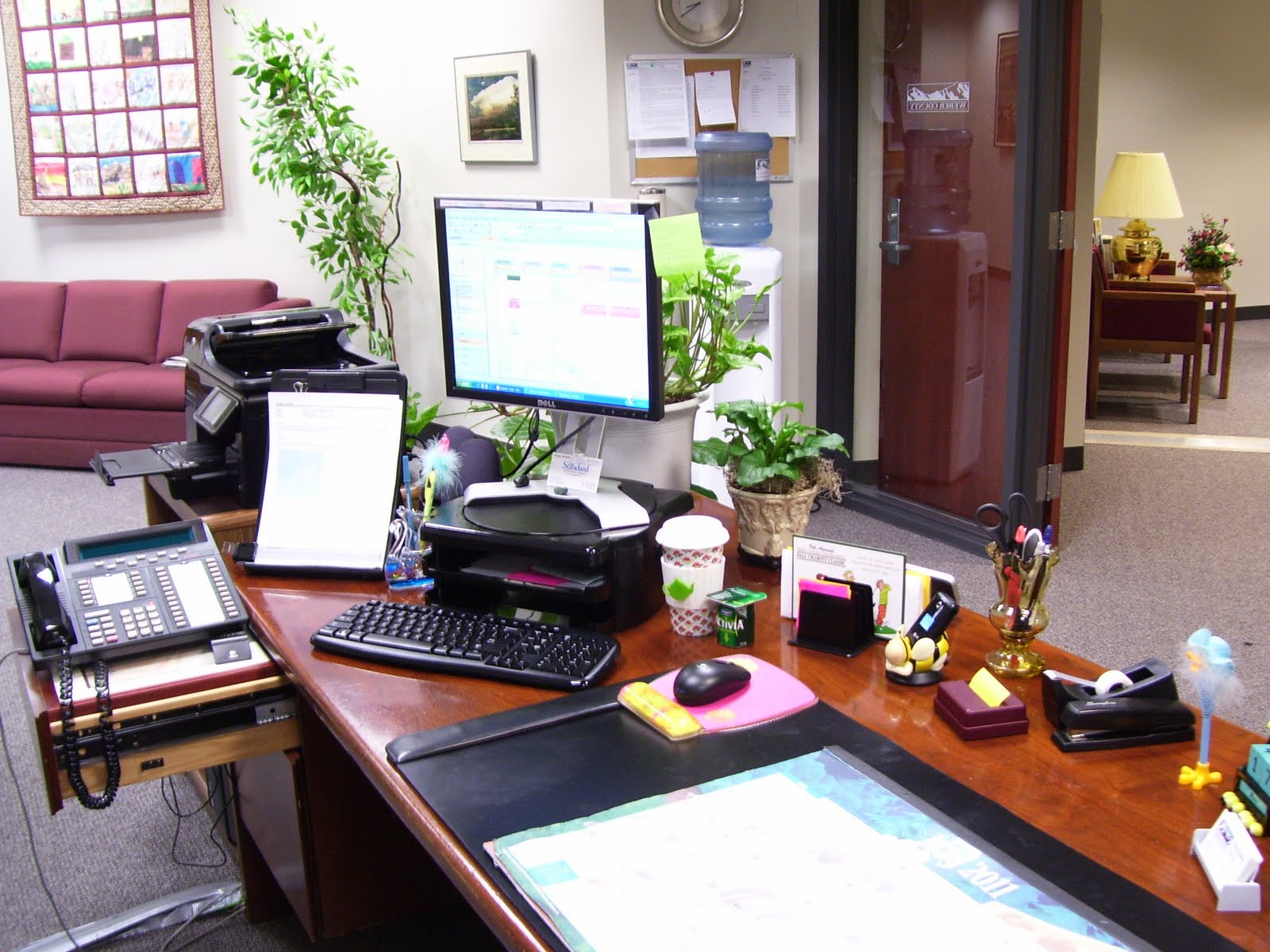 5 Tips For A More Organized Work Desk In The Office